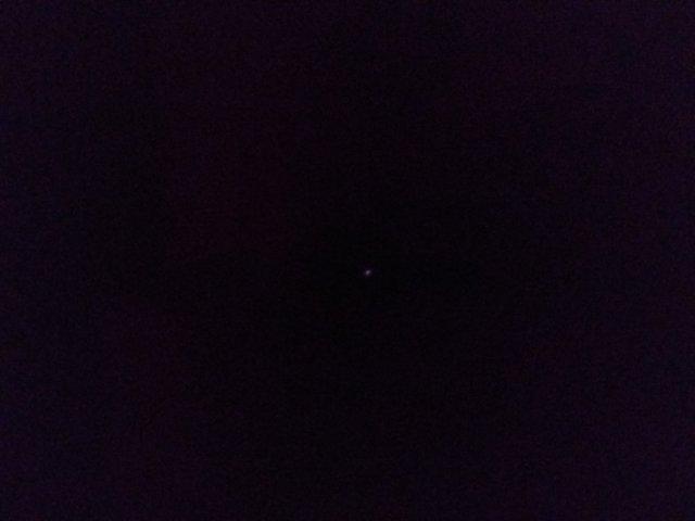 зайчик от пульта через ИК фильтр.jpg